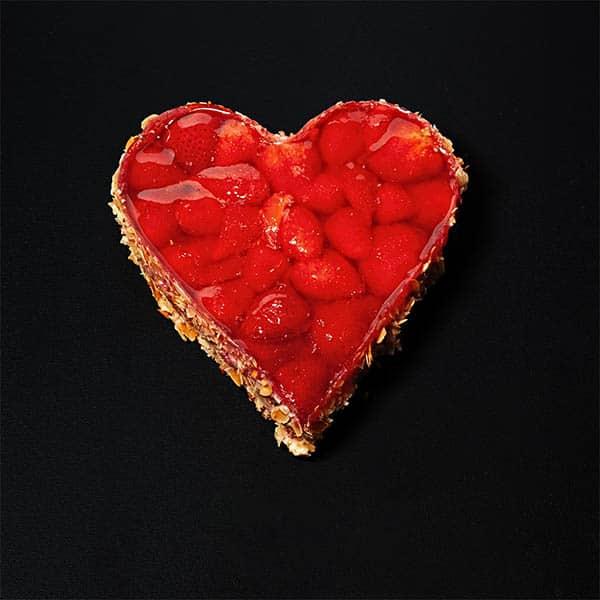 Erdbeertorte in Herzform